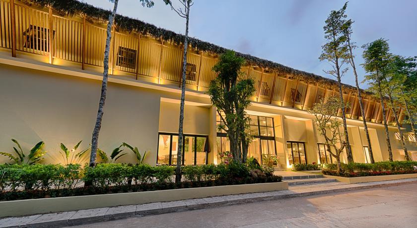 9 Station Hostel
